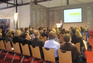 Hans-Georg Huber bei einem seiner Vorträge zu Führungsthemen